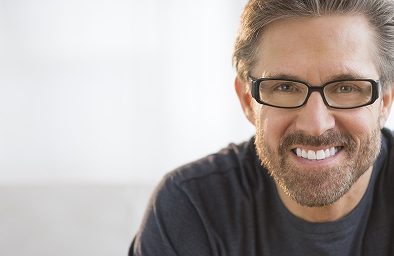 How to Choose Eyeglasses That Suit Your Face