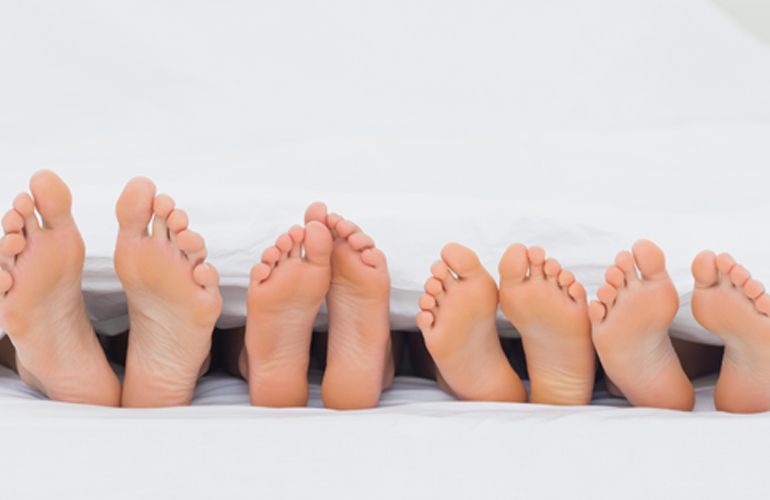 how to keep feet warm with poor circulation