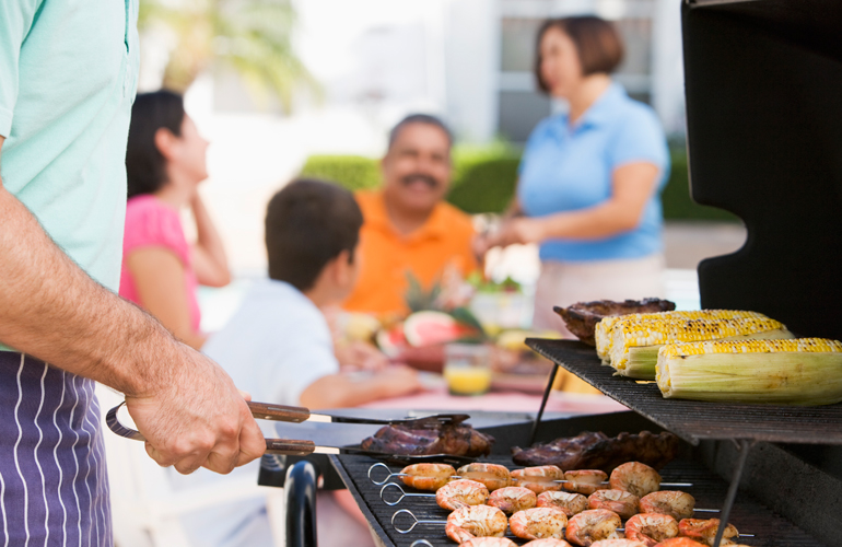 Healthy Tips for Eating at Cookouts