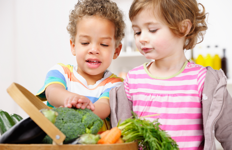 Make Sure Your Kids Get a Good Start in Eating Right