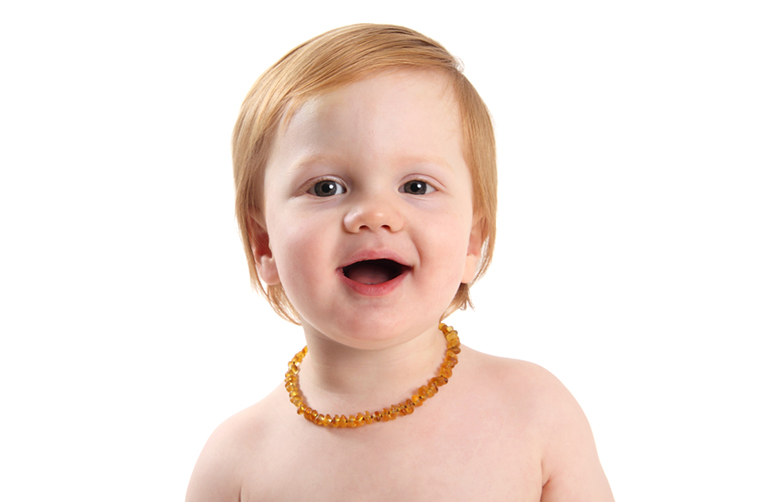 Teething: Amber Necklaces Not Recommended