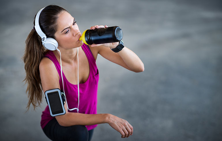 Working Out Hard? Be Sure to Choose the Right Sports Drink